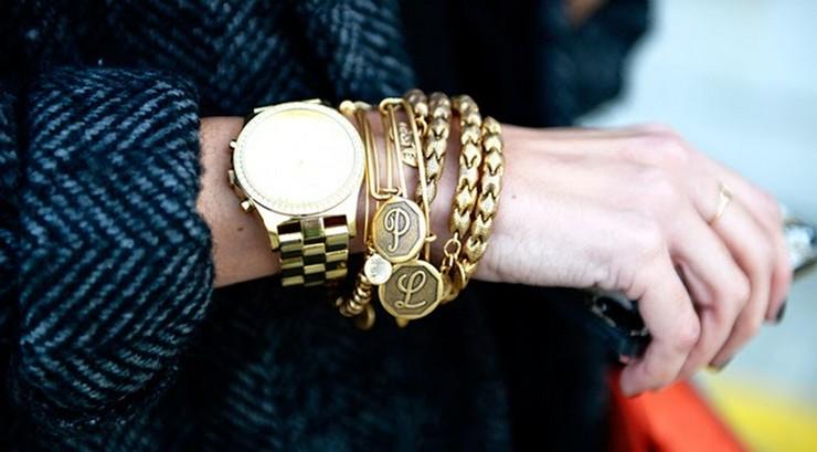 """""""Supersticiosa o no, Sara Carbonero parece ser amiga de los amuletos. Esta vez, la periodista deportiva ha elegido las pulseras de Alex and Ani para animar a 'La Roja' en el Mundial.""""  Las pulseras-amuleto de Sara Carbonero para el Mundial pulseras sara carbonero mundial brasil 2"""