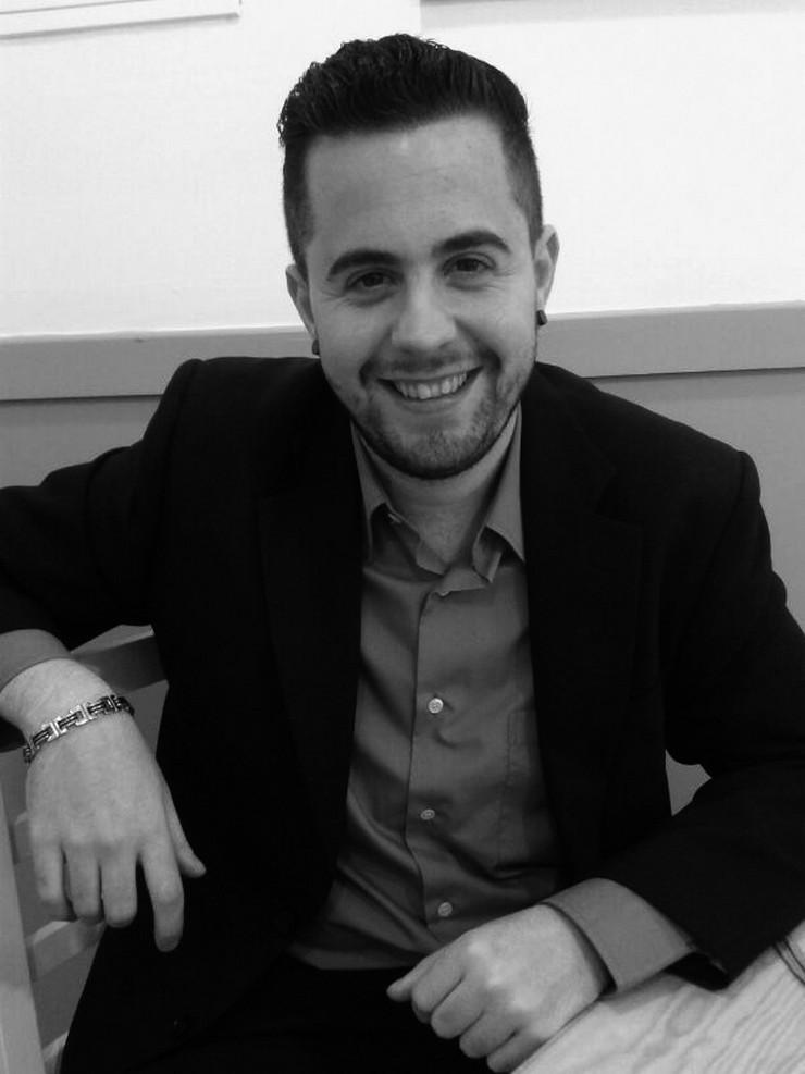 """""""José Estudillo Interiorista de Estudillo Interiores - fabricación de mobiliario y servicios integrales de interiorismo""""  Estudillo Interiores: """"Apuesta por el diseño y la calidad"""" Estudillo Interiorista"""