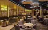 """""""El Riviera Music Lounge es uno de los últimos proyectos del interiorista Óscar Vidal Quist. Se trata de un club de música situado en el Hotel Riviera en Benidorm que ha sido recientemente reformado en la playa del Mediterráneo."""""""