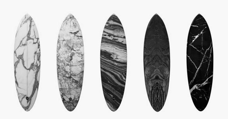 """""""El cada vez más famoso y cotizado diseñador Alexander Wang se unió recientemente a la compañía australiana de tablas de surf Haydenshapes para colaborar en la realización de 5 tablas de surf que combinan un ambiente deportivo con el diseño artístico de Wang."""" Tablas de surf de diseño: Alexander Wang y Haydenshapes Alexander Wang Haydenshapes"""