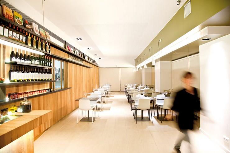 """""""Cuina Miracle trabaja desde hace 10 años en la elaboración de comida preparada para llevar.""""  Cuina Miracle, decoración de un restaurante en Barcelona por Qubba Cuina Miracle proyecto de restaurante"""