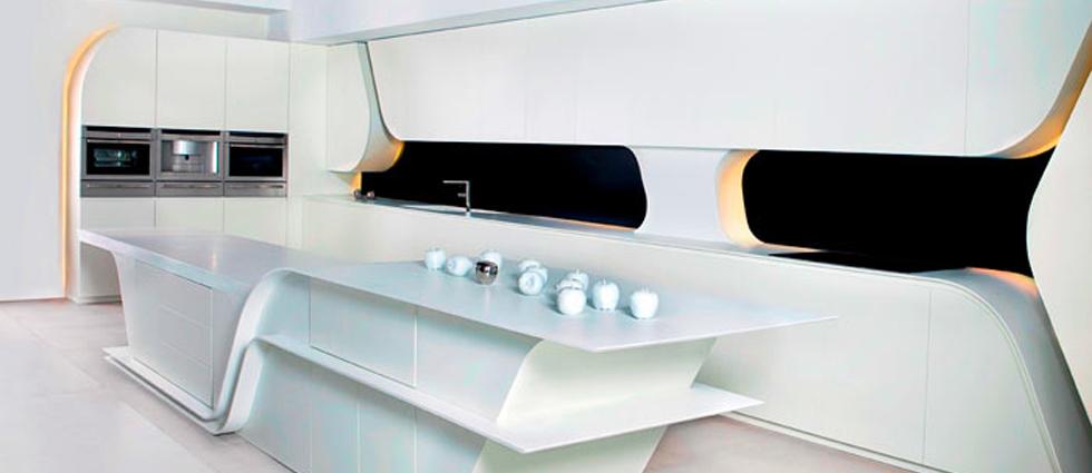 """""""Creada por el estudio de arquitectura A-cero, replantea la estética de este espacio, diseñando una cocina vanguardista y dando un paso más allá en el concepto de cocina moderna.""""  Cocina futurista diseñada por A-cero cocina exclusiva a cero"""