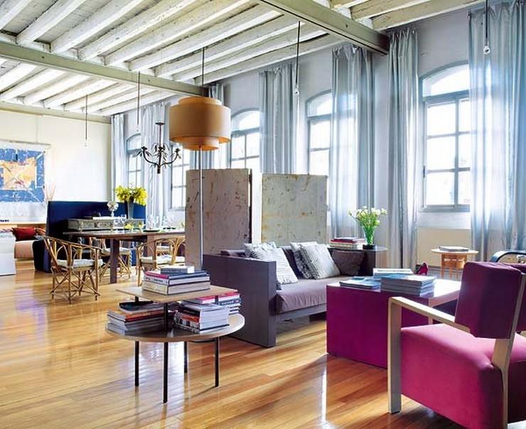 """""""El sofá y las mesas son diseños de Nancy Robbins, al igual que la butaca Tao –fabricada por Upoh– y la lámpara de pie Reflexión para la firma Blauet.""""  Nancy Robbins, diseñadora de interiores de lujo en Barcelona estancia diafana ampliacion nancy robbins"""
