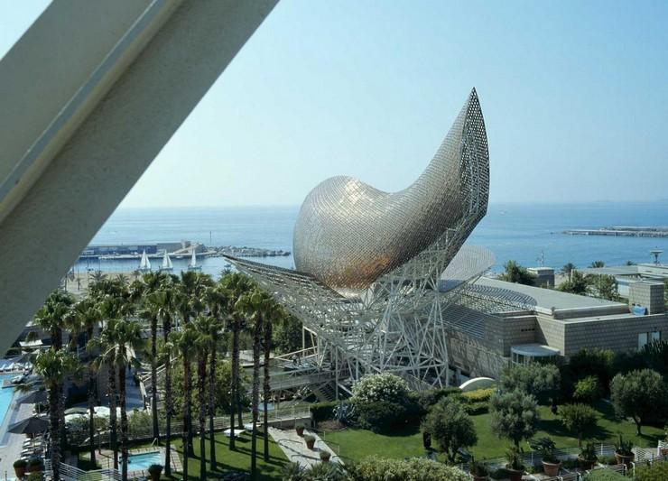 """""""El hotel Arts Barcelona brinda la impresión de ser un espacio autónomo.""""  Hotel Arts Barcelona, fascinante ventana al Mediterráneo hoteles para nuevas vacaciones"""