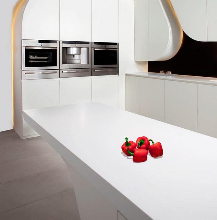 """""""Esta innovadora cocina se llama Wave y ha sido lanzada al mercado por la empresa Gunni & Trentino.""""  Cocina futurista diseñada por A-cero ideas para una cocina vanguardista"""