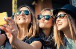 """""""Hay determinadas cosas que todos queremos en nuestra galería de fotos, como por ejemplo el selfie, una de las fotos más repetidas este verano por todos""""  Lo más fotografiado en verano portada 156x100"""