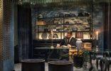 """""""Las cortinas de la firma española KriskaDECOR recuerdan a sinuosas algas multicolores, situadas en el vestíbulo y la zona de recepción del nuevo hotel Stora Hotellet (""""Grand Hotel"""") de Umeå, Suecia, el último proyecto del estudio sueco Stylt Trampoli.""""  Husk, un sofá moderno de Patricia Urquiola reception storahotelletbystylttrampoli1 copia 156x100"""