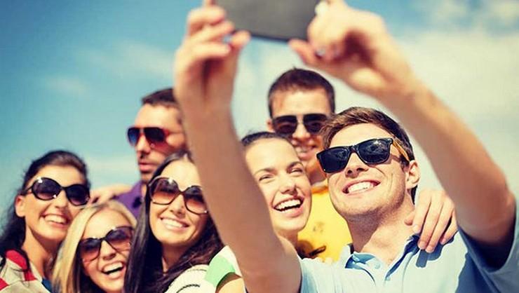 """""""El selfie es la foto de moda y este verano ha sido una de las cosas más fotografiadas por todos""""  Lo más fotografiado en verano summer selfie"""