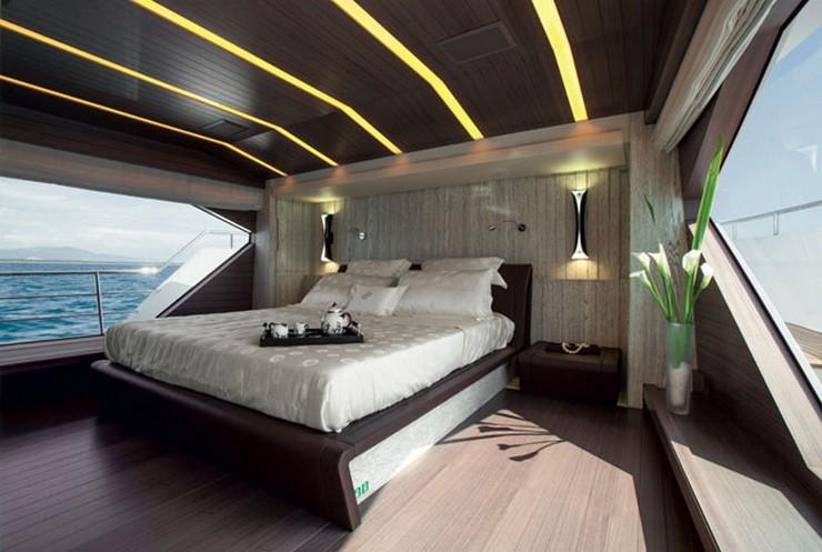 """""""Con diseño de Stefano Righini, el yate incluye tres cubiertas y una terraza. La cubierta de sol es el rasgo distintivo de este barco.""""   Benetti Tradition Supreme 108, sensacional en el mar Benetti Tradition Supreme 108 marcas de lujo"""
