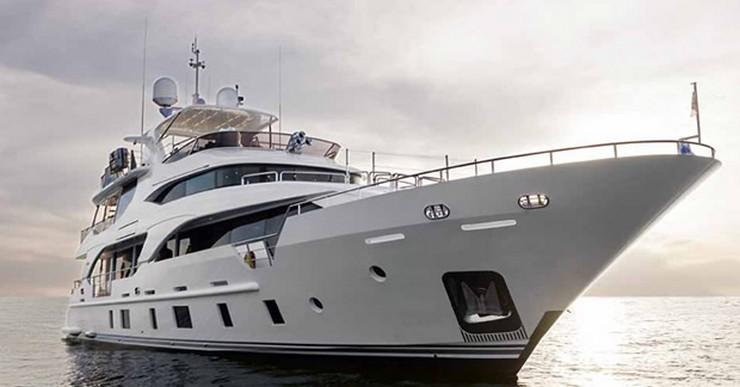 """""""No es casualidad que lo que pronto presentará Benetti en el Cannes Festival Yachting sea otra nave marítima asombrosa.""""   Benetti Tradition Supreme 108, sensacional en el mar Benetti Tradition Supreme 108"""