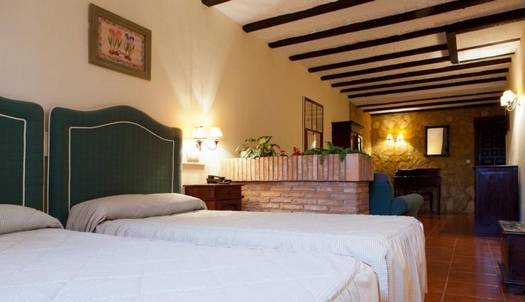 """""""El Hotel Cueva del Fraile está situado a las afueras de Cuenca y a los pies de la incomparable belleza natural del Parque Natural de la Serranía.""""  Hotel Cueva del Fraile, un hotel con encanto en Cuenca Hotel Cueva del Fraile en cuenca 4"""