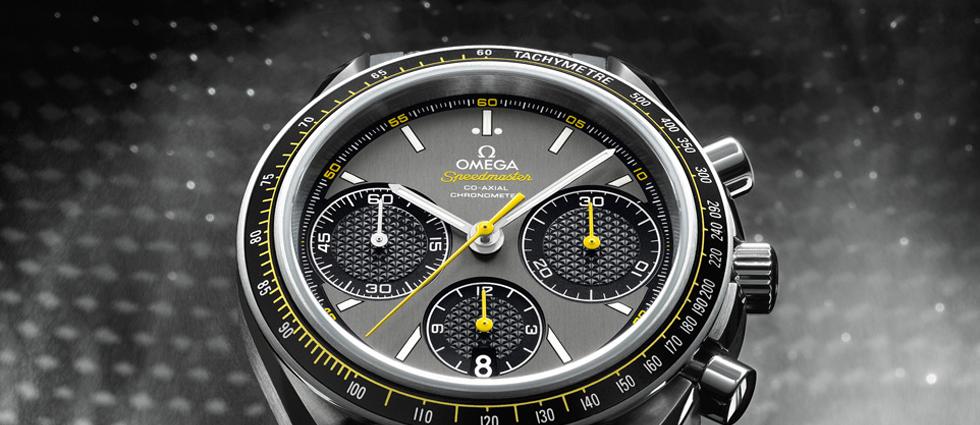 """""""Desde 1957, la historia entre el célebre cronógrafo Omega Speedmaster y el mundo de los deportes del motor y la adrenalina tiene varias páginas llenas de victorias, prestigio y glamour.""""  Omega Speedmaster Racing, un reloj de alto rendimiento Omega Speedmaster Racing relojes de lujo"""