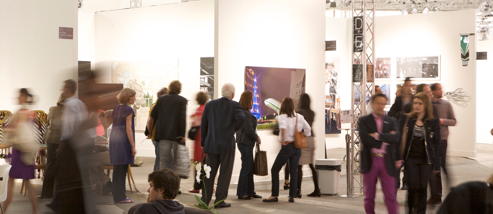 """""""ADN galería fue fundada con la voluntad de crear una plataforma híbrida entre mediación comercial y aportación cultural, cuyo objetivo es difundir tendencias artísticas actuales."""""""