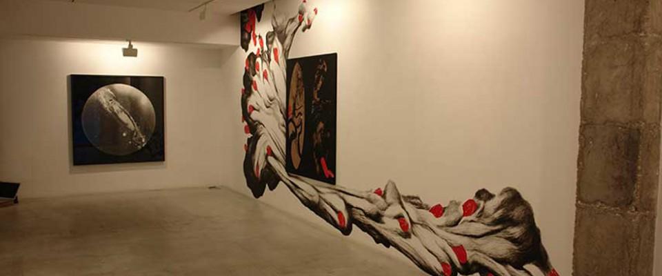 """""""Adora Calvo es una galería de Arte Contemporáneo que está ubicada en un sitio de lujo, frente al Convento de San Esteban."""""""