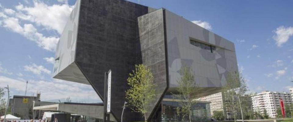 """""""El estudio barcelonés realiza la arquitectura y el interiorismo de este nuevo edificio de la capital aragonesa."""""""