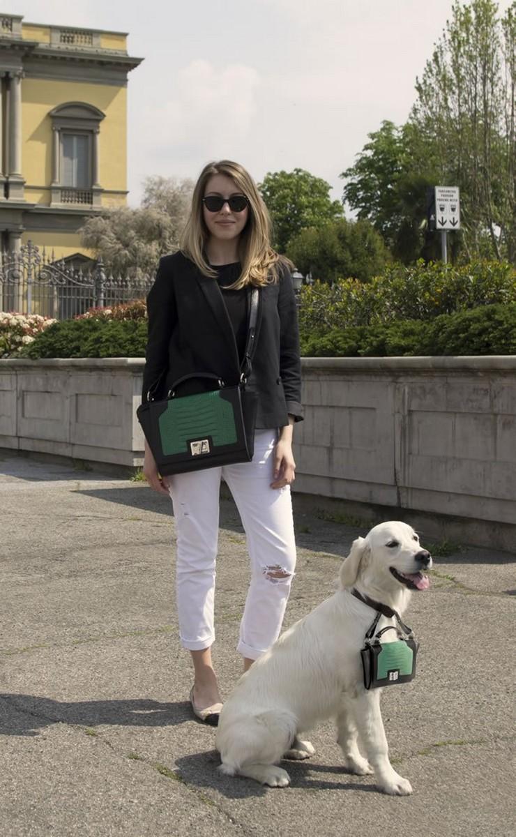 """""""Un lujoso bolso de marca puede ser una atrevida declaración de moda, y aun más si su perro también llevará una réplica en miniatura de tu bolso.""""  Pawbag, bolso de lujo en miniatura para tu perro pawbag 1"""