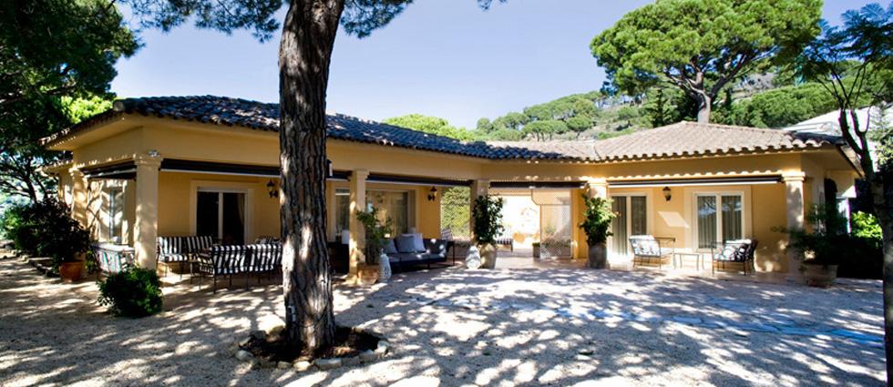Casa dorada en barcelona por estudio de interiorismo recdi8 decorar una casa - Estudios de interiorismo en barcelona ...