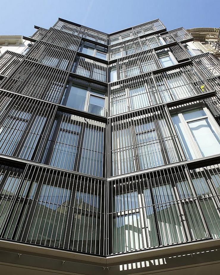 """""""Este moderno hotel, ubicado en un edificio de diseño vanguardista, cuenta con una ubicación privilegiada en el corazón de Barcelona.""""  The Mirror Barcelona, un hotel de 4 estrellas en Barcelona Hotel Mirror en Barcelona 3"""