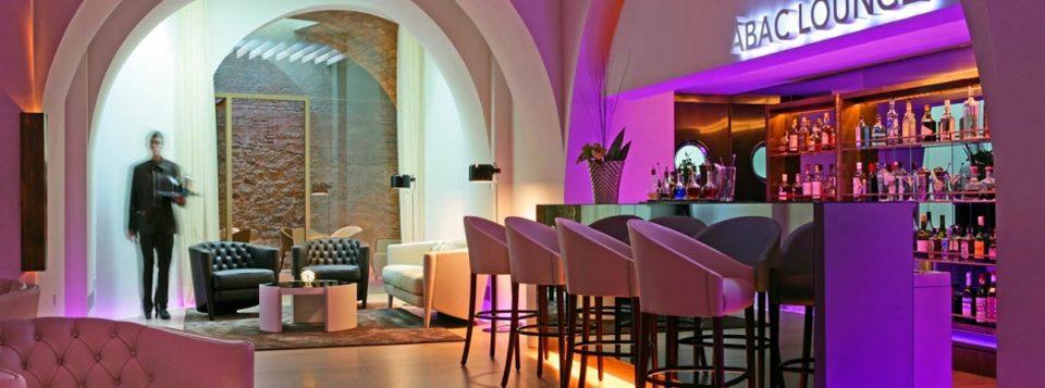 """""""El hotel AbaC de Barcelona es el lugar ideal para realizar una escapada romántica en la ciudad Condal."""""""