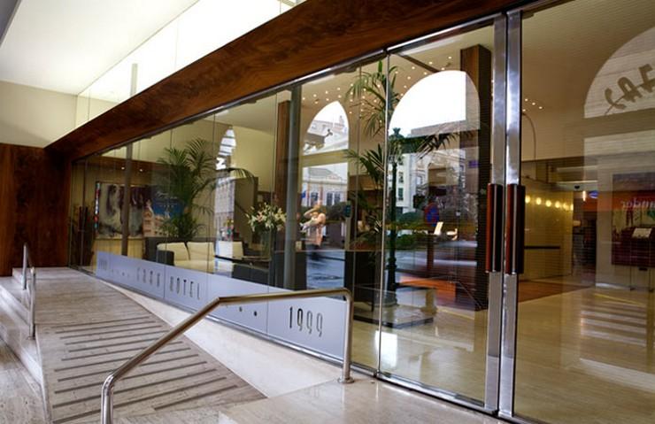 """""""El Gran Hotel Albacete ha sido seleccionado por Trivago gracias a la valoración de los viajeros y la cercanía a la Feria de Albacete.""""  Gran Hotel Albacete, un oasis de descanso en Albacete recepcion gran hotel albacete"""