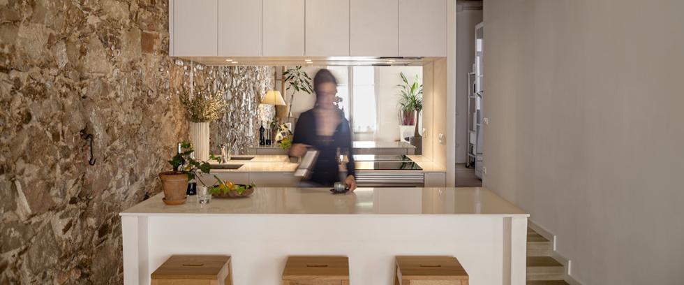 """""""Se trata de reformar un piso en el barrio de Les Corts de Barcelona catalogado del s.XIX.""""  Reforma interior de un piso en Les Corts por Sergi Pons reforma intregral en barcelona"""