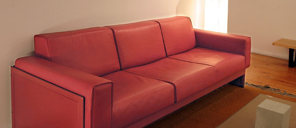 """""""Retiro Mobiliario es un estudio de interiorismo especializado en las primeras marcas del diseo contemporáneo de mobiliario."""""""