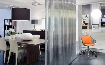 """""""Showroom donde puedes encontrar las mejores marcas de mobiliario, iluminación, textiles y objetos de diseño."""""""