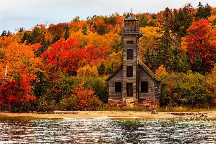 """""""El otoño es uno de los mayores espectáculos de la naturaleza y uno de los menos apreciados.""""  12 transformaciones que te muestran la belleza del otoño transformaciones en otono 231"""