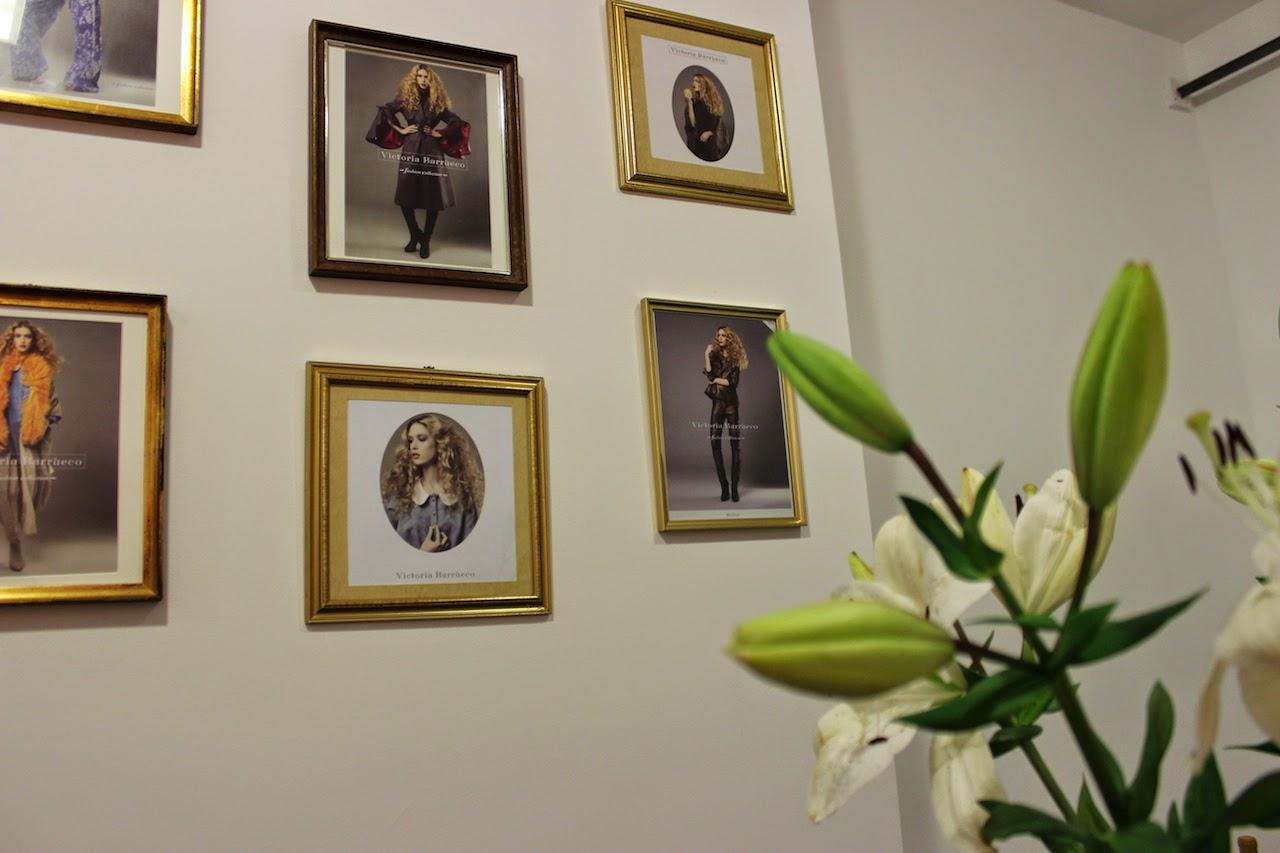 """""""Apuesta por un estilo innovador, donde los colores y los tejidos con texturas tienen protagonismo.""""  Victoria Barrueco, atelier de moda en Barcelona victoria barrueco atelier de moda 5"""