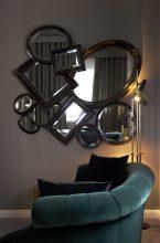 Una suite de hotel con glamour
