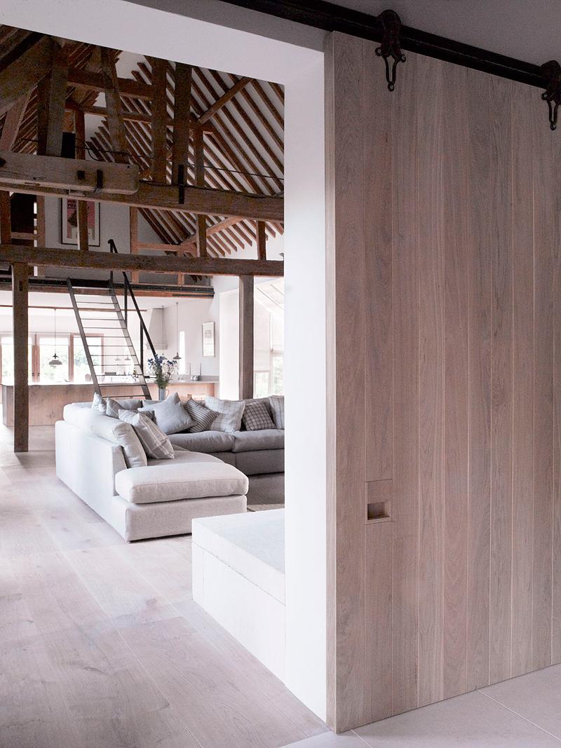 decorar-una-casa-de-granero-a-una-vivienda-increible-1  De granero a vivienda increible decorar una casa de granero a una vivienda increible 1