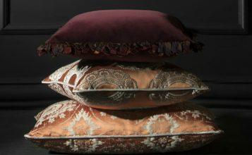 La ultima tendencia de almohadas: nueva colección da Brabbu ideas de lujo Ideas de Lujo: Alfombras para combinar con las mesas del centro Feature1 357x220
