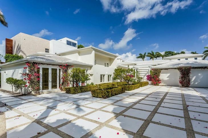 "La casa de lujo de Shakira en ""Miami Beach"" casa de lujo La casa de lujo de Shakira en «Miami Beach» Celebrity Homes Shakiras Home in Miami Beach 02"