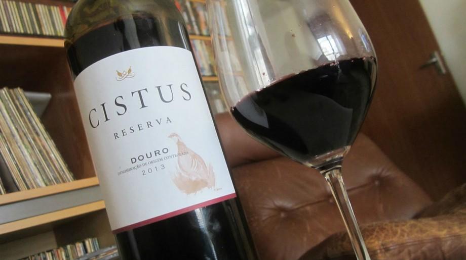 Misterios de Portugal: Los sitios lujosos de viño y para comer sitios lujosos Misterios de Portugal: Los sitios lujosos de viño y para comer Featured 48