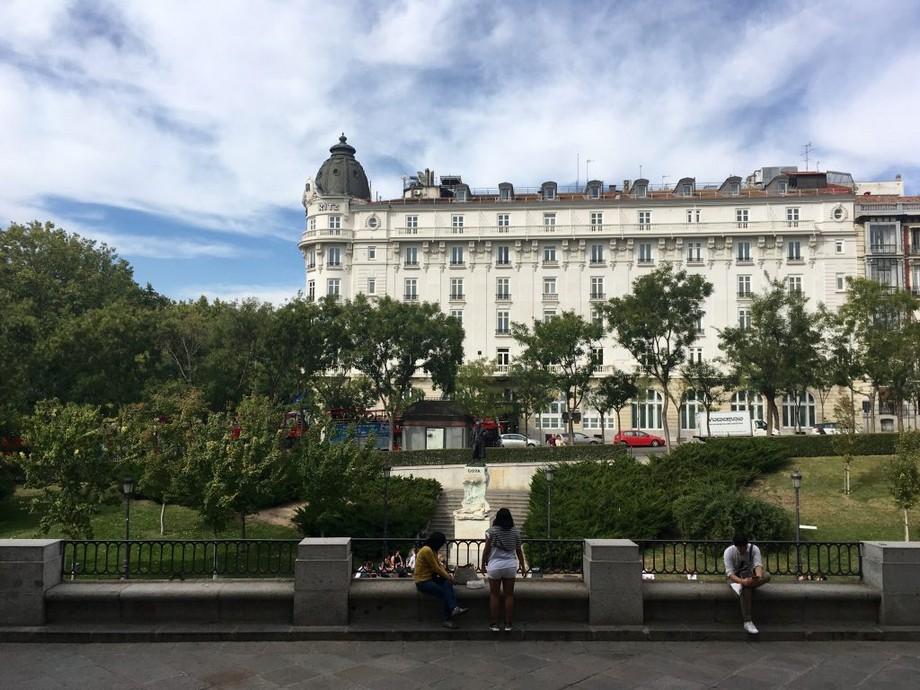 Hotel Ritz – Lujoso Hotel en Madrid Lujoso Hotel Hotel Ritz – Lujoso Hotel en Madrid Ritz Madrid from Prado 1024x768