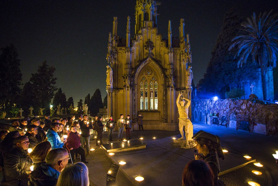 Ideas para visitar: Halloween en España Ideas para visitar: Halloween en España montjuic cemetery night tour