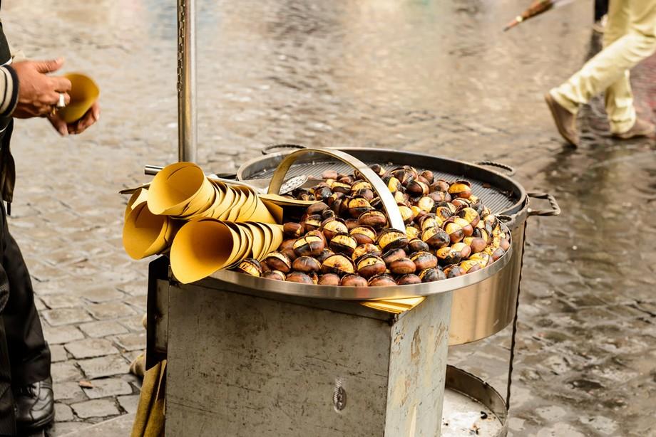 Ideas para visitar: Halloween en España Ideas para visitar: Halloween en España roasted chestnuts bcn