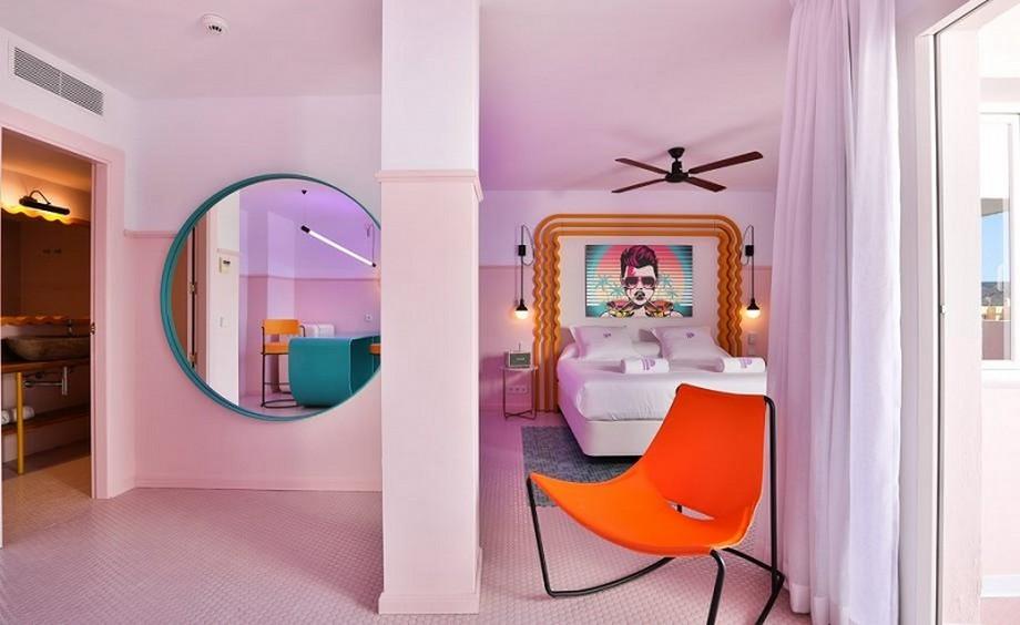 Ideas para Viajar: Un hotel de Lujo y colorido en Ibiza ideas para viajar Ideas para Viajar: Un hotel de Lujo y colorido en Ibiza A Colorful Interior Design At Paradiso Ibiza Art Hotel Ibiza Spain 3