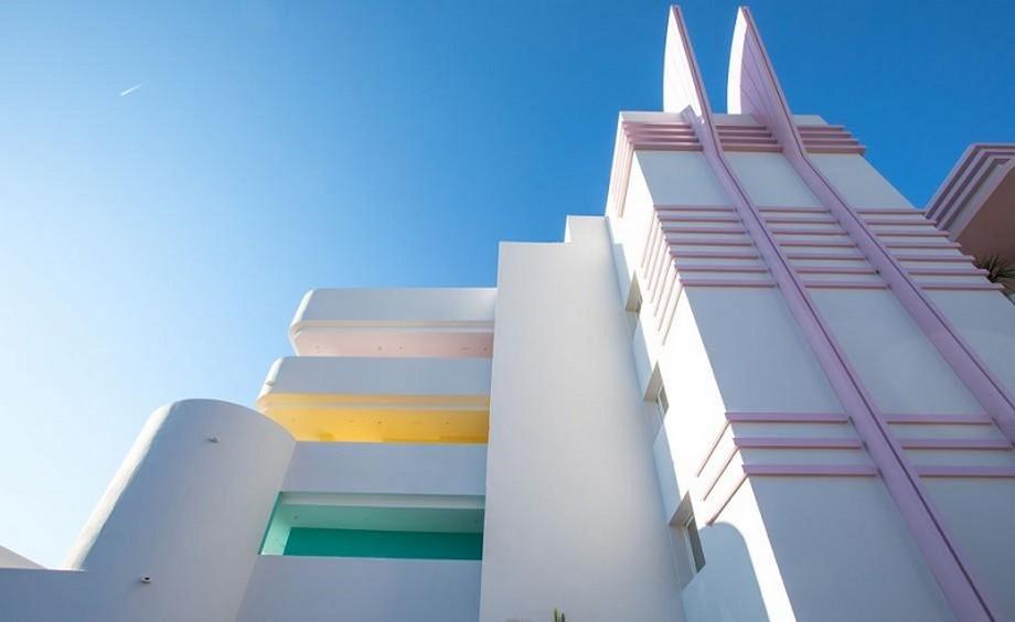 Ideas para Viajar: Un hotel de Lujo y colorido en Ibiza ideas para viajar Ideas para Viajar: Un hotel de Lujo y colorido en Ibiza A Colorful Interior Design At Paradiso Ibiza Art Hotel Ibiza Spain 6