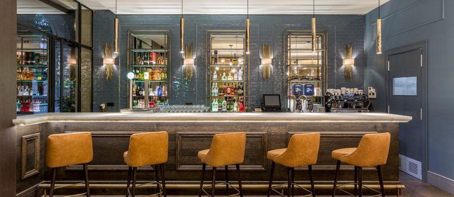 interiorismo de lujo Interiorismo de lujo: Cuarto Interiors que hacen proyectos lujuosos ROOM MATE GORKA HOTEL SAN SEBASTIAN COMMON AREA 1 920x400